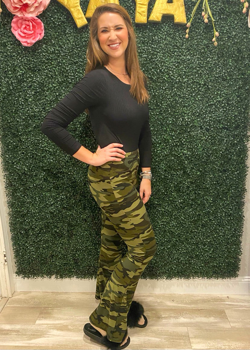 Smooth Talking Camo Flares