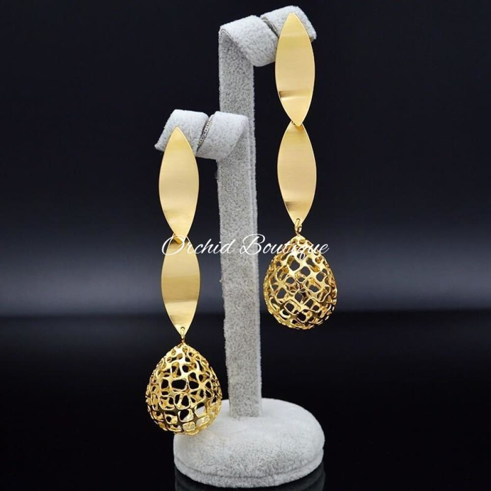 Zane Bold Earrings Earrings