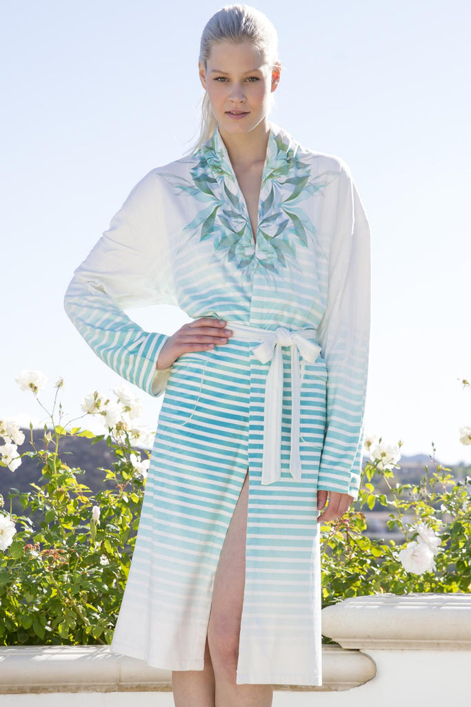 Peaceful Vision Short Robe