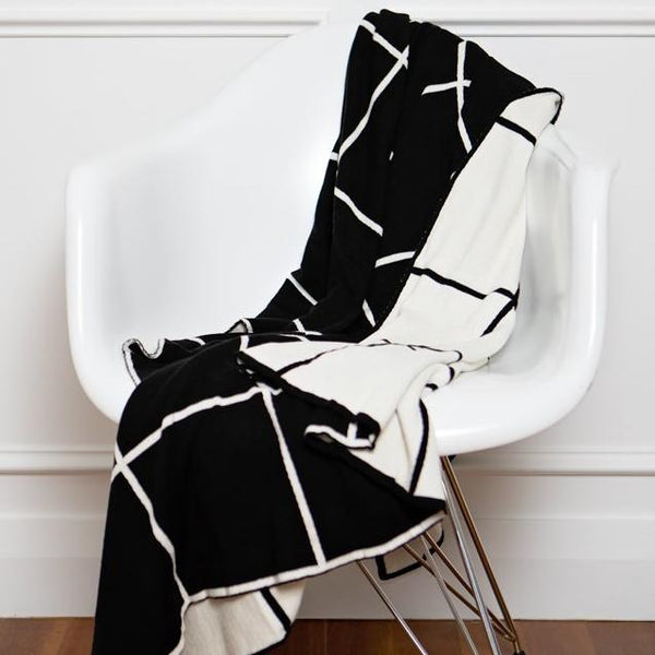 Cotton Woven Grid Black and White Reversible Throw New Zealand