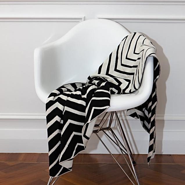 Cotton Woven Chevron Black and White Reversible Throw New Zealand