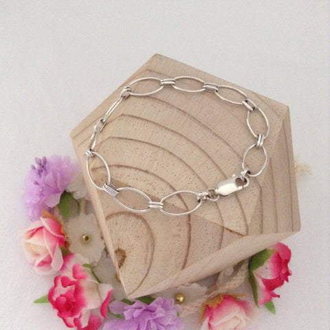 Large Oval Loop Bracelet