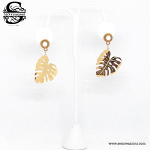 Turtle Leaf Earrings Gold
