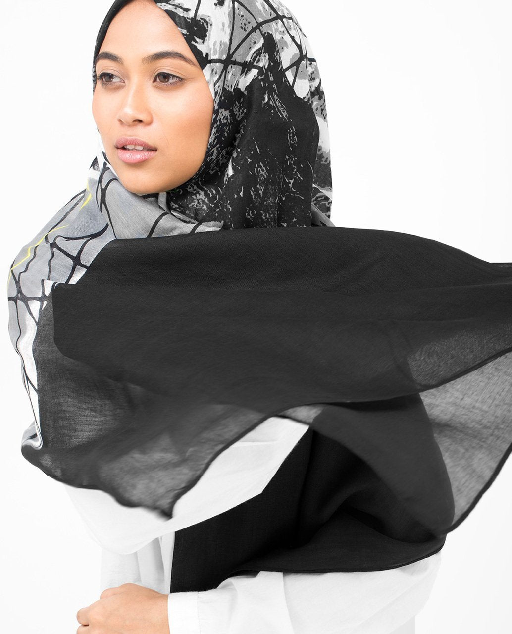 Black Abstract Print Viscose Hijab Medium Black