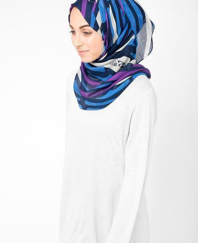 White Sand Hijab Regular Blue and Navy