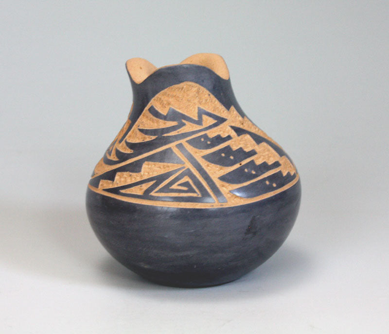 Jemez Pueblo American Indian Pottery Etched Vase - Georgia Vigil