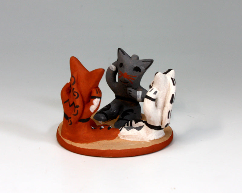 Jemez Pueblo American Indian Pottery 3 Kittens - Robert Fragua