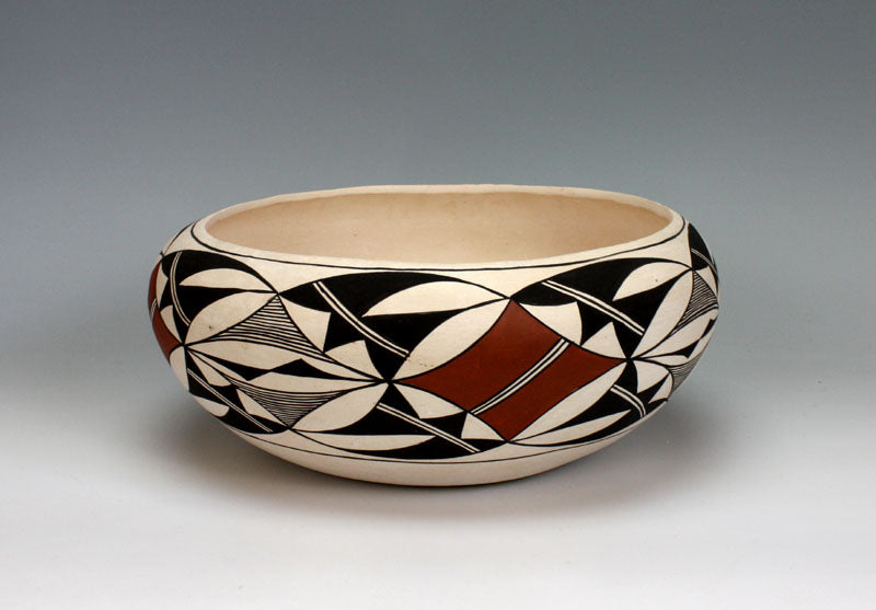 Laguna Pueblo Native American Indian Pottery Bowl - Lee Ann Cheromiah