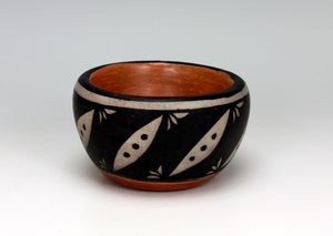 Kewa - Santo Domingo Pueblo American Indian Pottery Bowl #1 - Dominic Melchor