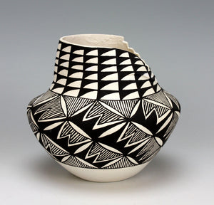 Acoma Pueblo Native American Indian Pottery Rain Jar - Patrick Rustin Jr.