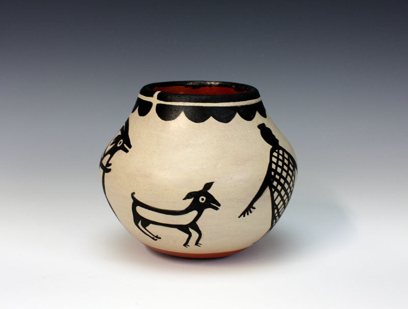 Kewa - Santo Domingo Pueblo American Indian Pottery Hunter Jar - Robert Tenorio