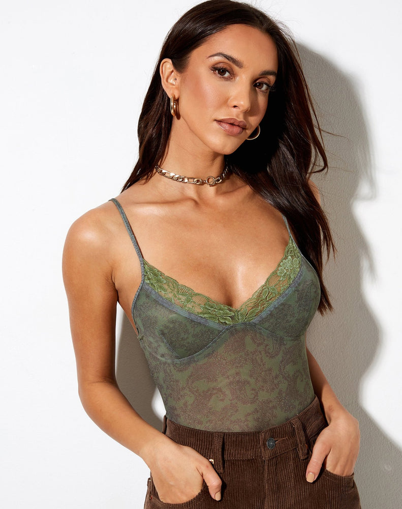 Motel Yenika Top in Mono Paisley Green