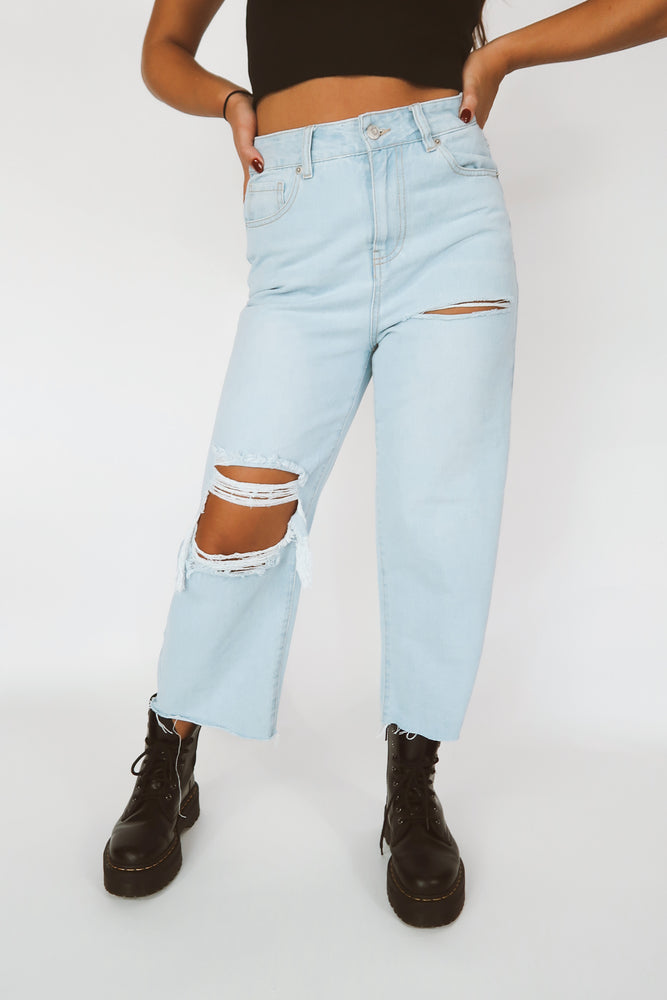 Drew Ripped Crop Jean in Light Indigo