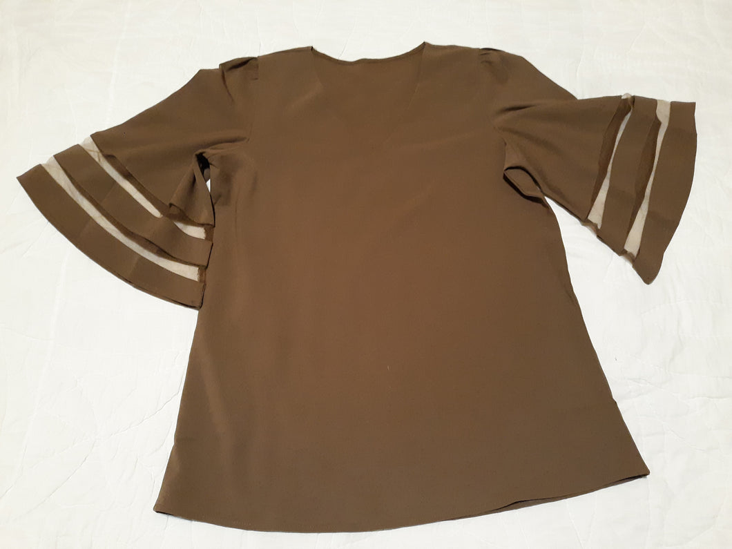 Womens Beautiful Bell Sleeve Blouse Size S/M 6-8 Tan Sheer Sleeve