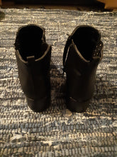 Womens Man Made Leather Zip Up Boots Shoes Size 6