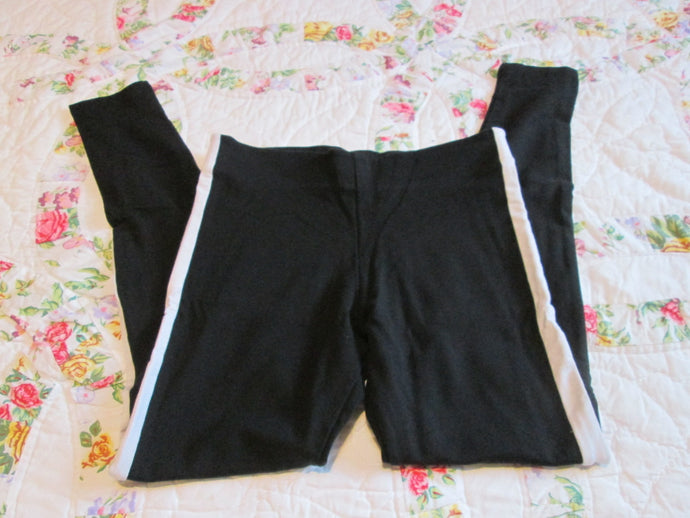 Womens Leggings Size Small Black & White Brand: Divided