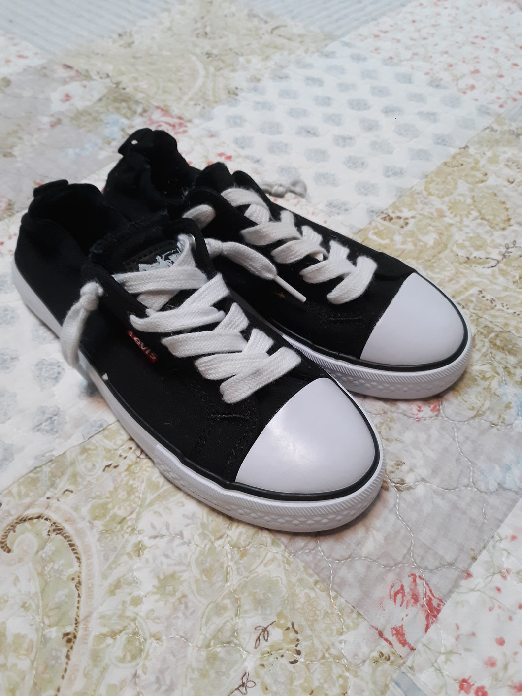 Childrens Boys Levi's Canvas Sneakers Skippies Shoes Size 3