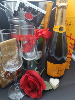 Champers Hamper - Veuve Clicquot