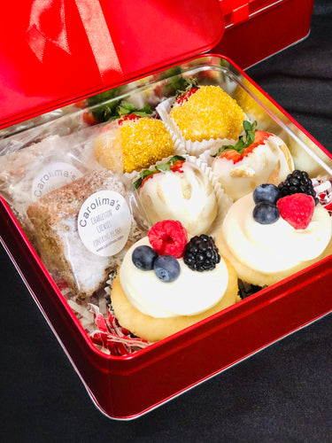 Keepsake Gift Box includes: 4 hand dipped White Chocolate Covered Strawberries, 2 World Famous Charleston Chewies (contains pecans), 2 Chantilly Cupcakes (vanilla cupcakes topped with Chantilly whipped cream and finished with fresh berries)
