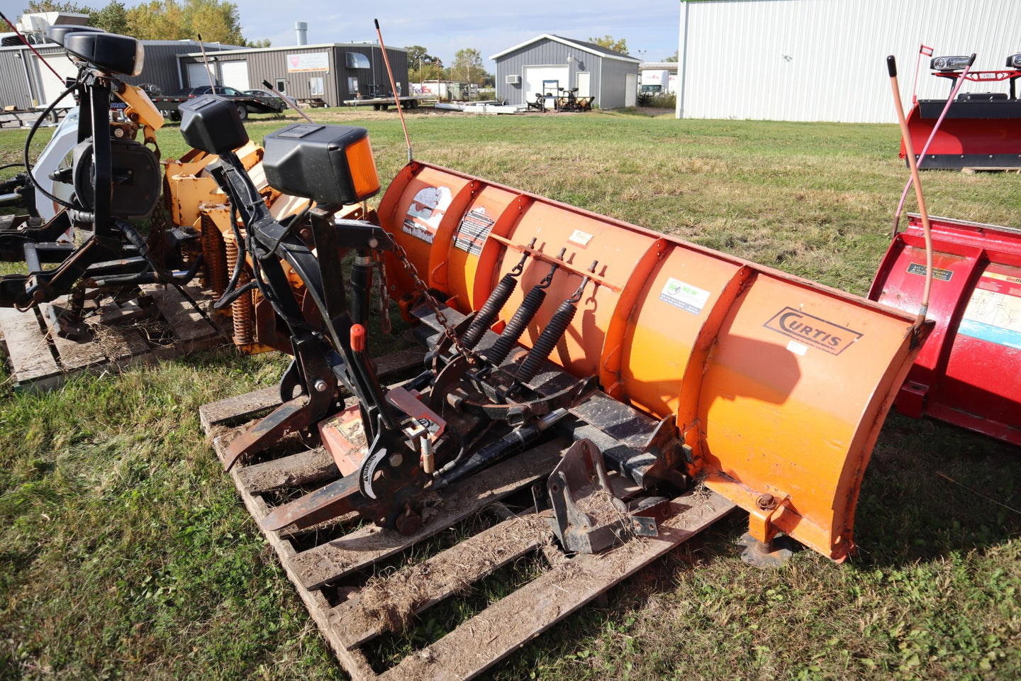 "CURTIS Sno-Pro 3000 #1906, 7'6"" Steel Straight Blade, Includes mount, wiring, and controller!"