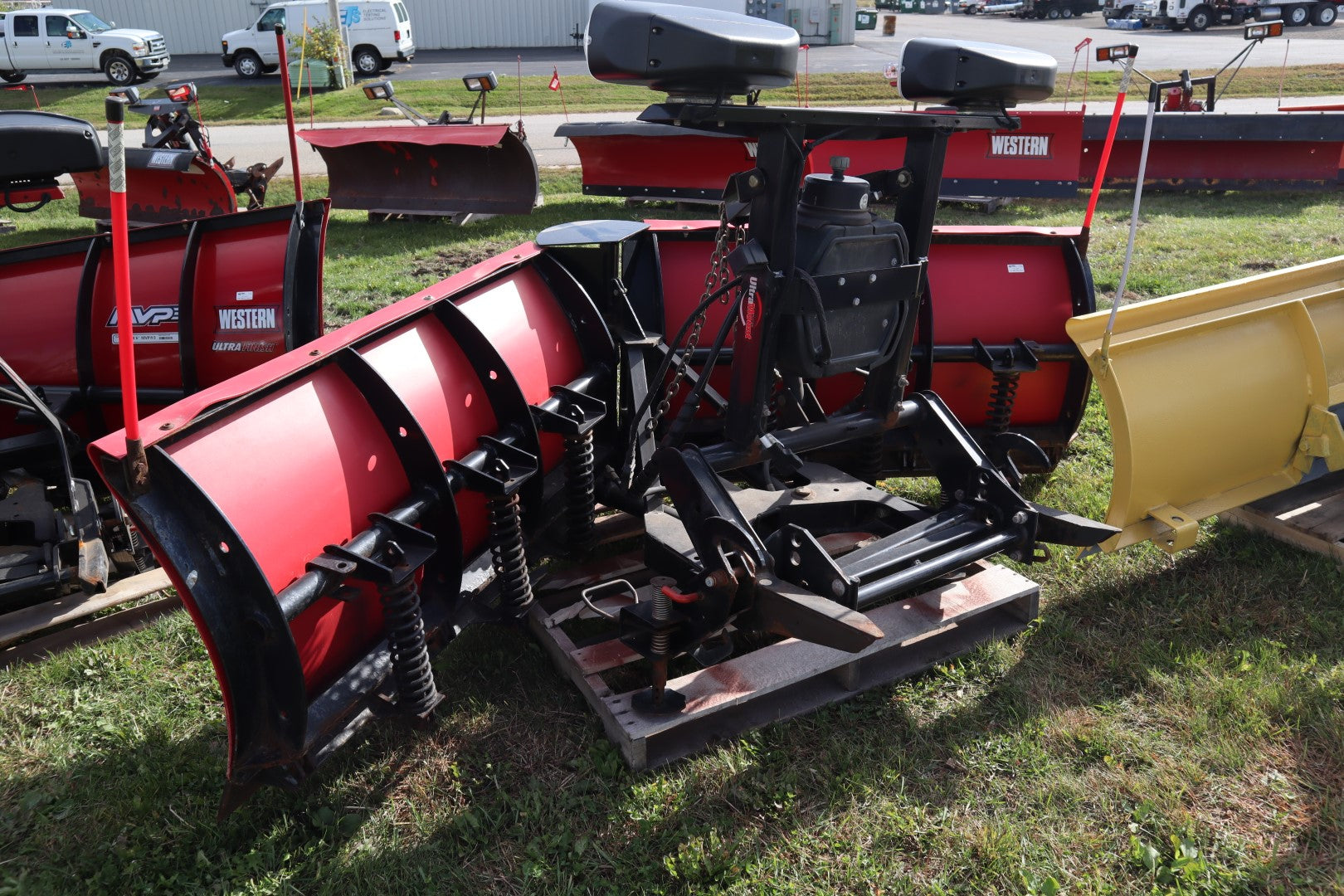 "WESTERN® Snowplow #2003, 9'6"" MVP, Plus Poly, 2-Plug (Fleet Flex), Ultramount"