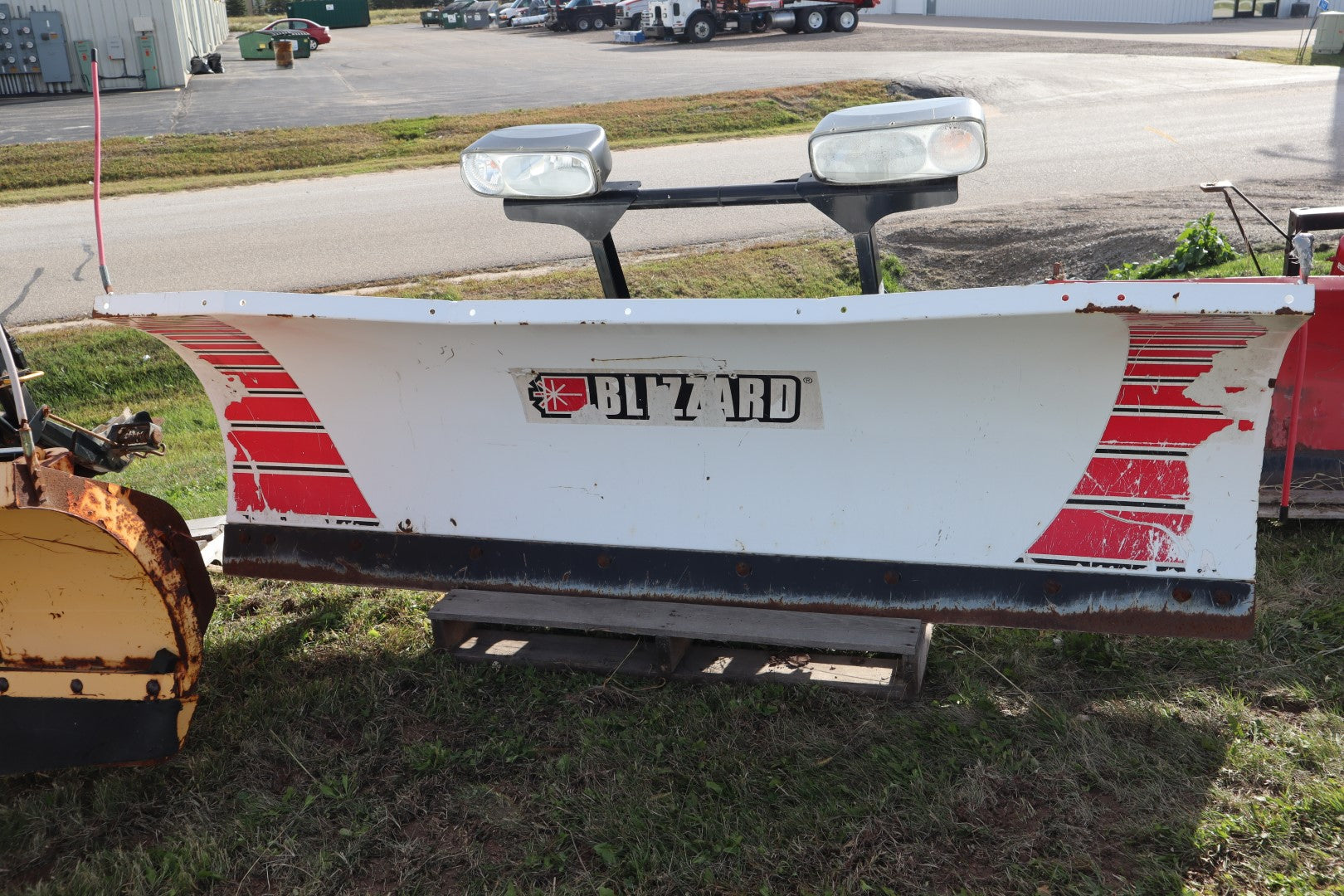 FISHER® Snowplow #2014, 8' Blizzard 8000HD, Steel Straight Blade, 2-Plug (Fleet Flex)