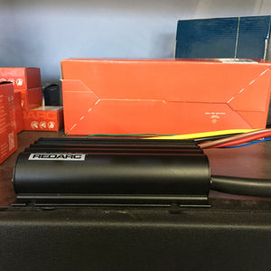 REDARC - DUAL INPUT 40A IN-VEHICLE DC BATTERY CHARGER