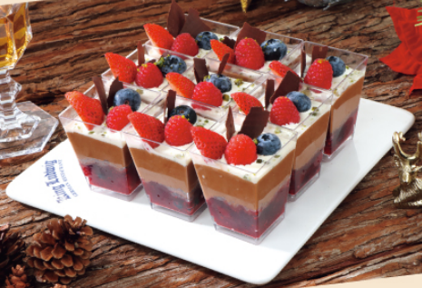 Chocolate Mousse with Fresh Berries (10 small cups)朱古力慕絲配新鮮莓子(10杯)