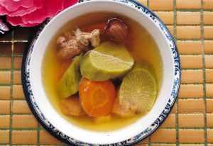 4碗 青紅蘿蔔章魚湯 - Double Boiled Green Radish And Carrot Octopus