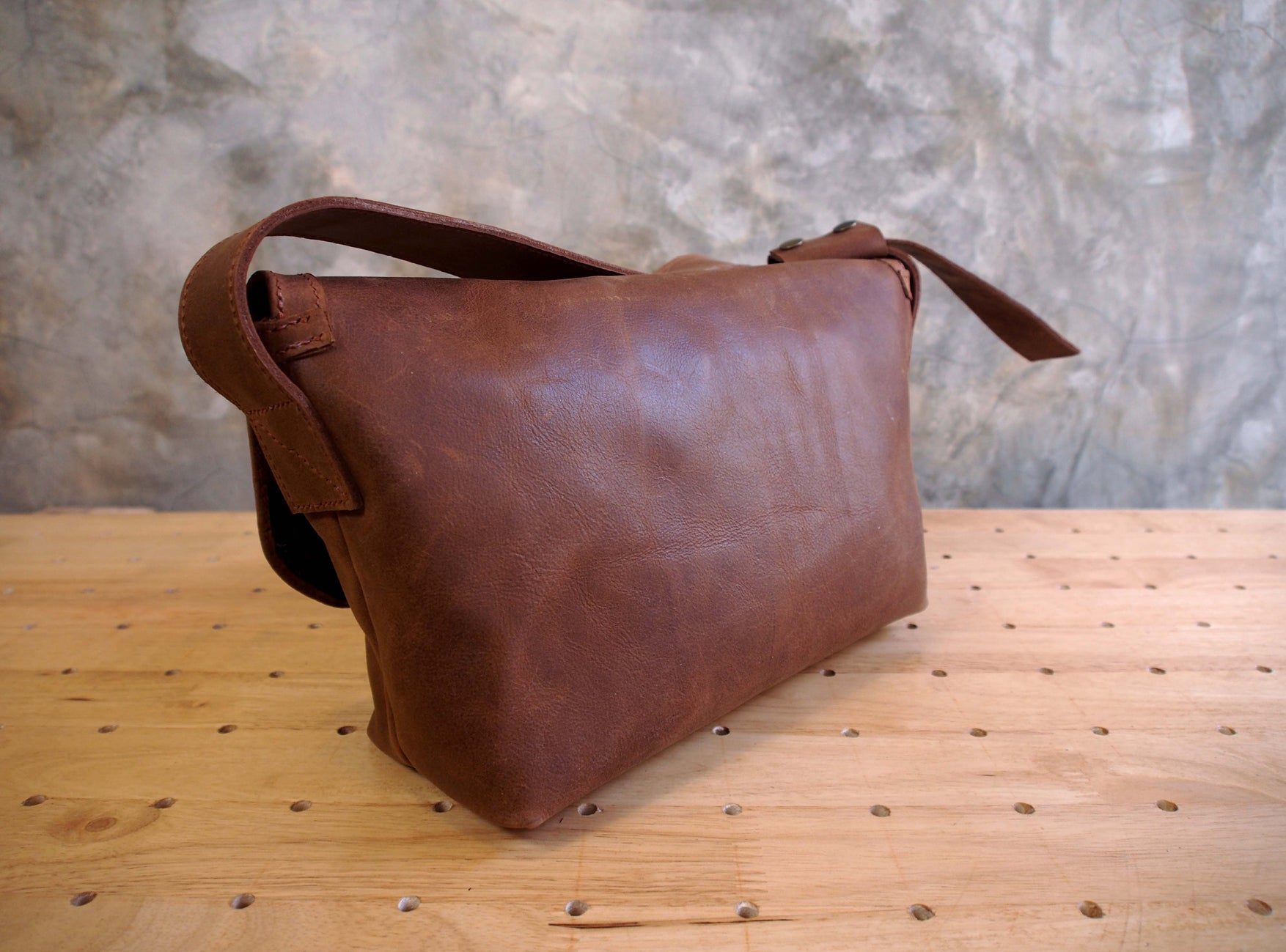 Small Samui Messenger Bag