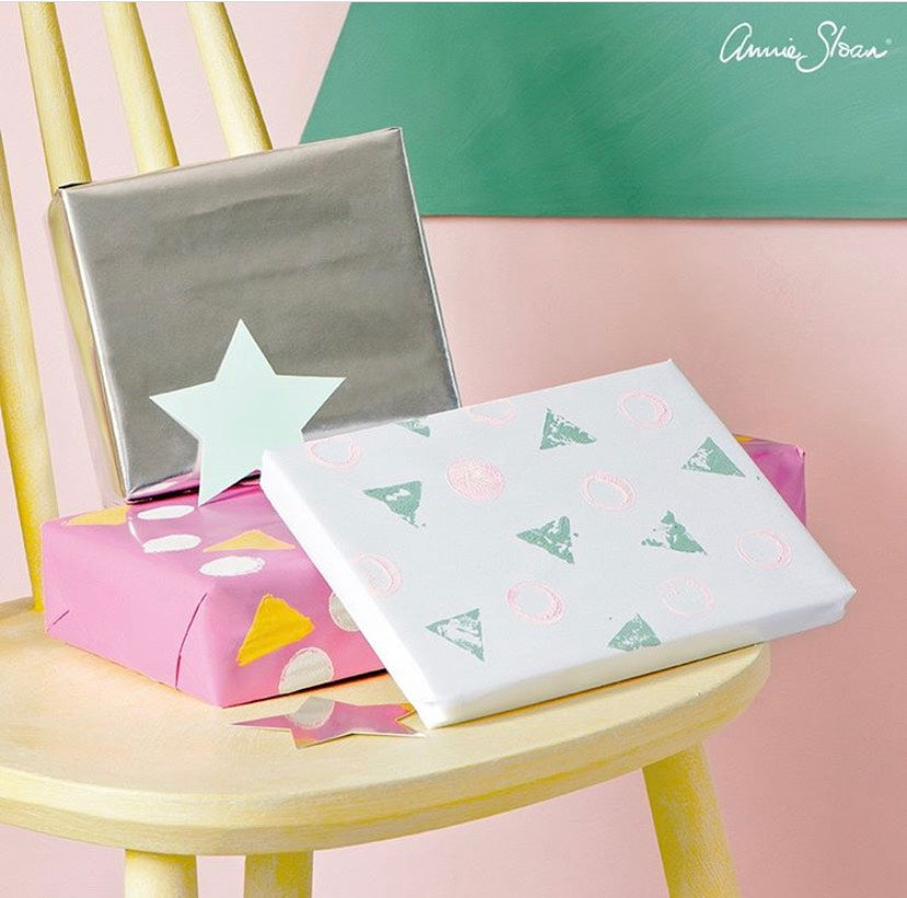 Christmas Exclusive: Make Your Own Gift Wrapping Paper Workshop (Child friendly)