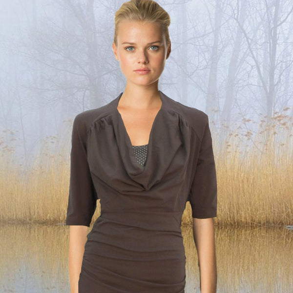 shirt met drape hals / shirt with draped neckline
