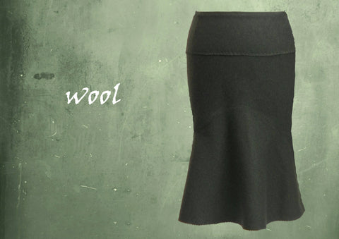 Wollen rok in zandloper lijn / Wool skirt in hourglass line