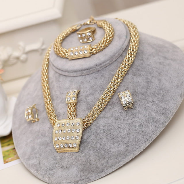 Exquisite Dubai gold Jewelry Set Costume Design