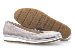 Gabor 22.400.22 in Metallic sole view