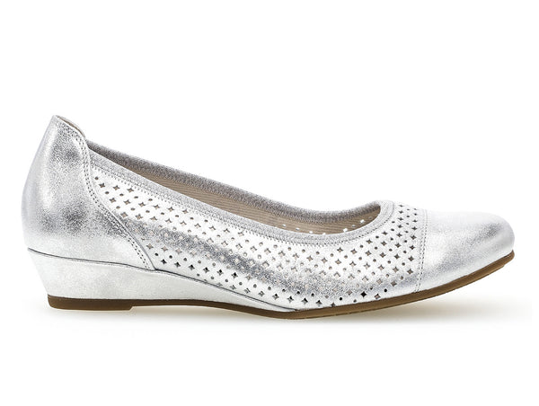 Gabor 82.695.60 in Metallic Silver outer view