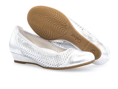 Gabor 82.695.60 in Metallic Silver sole view