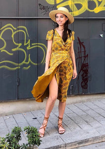 Yellow-leafed dress