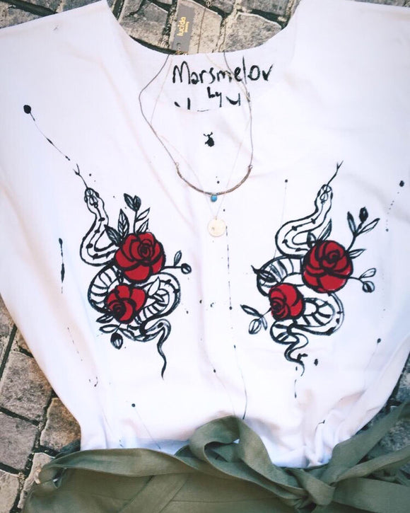 El Çizimi Gül Tişört /Hand drawn rose t-shirt