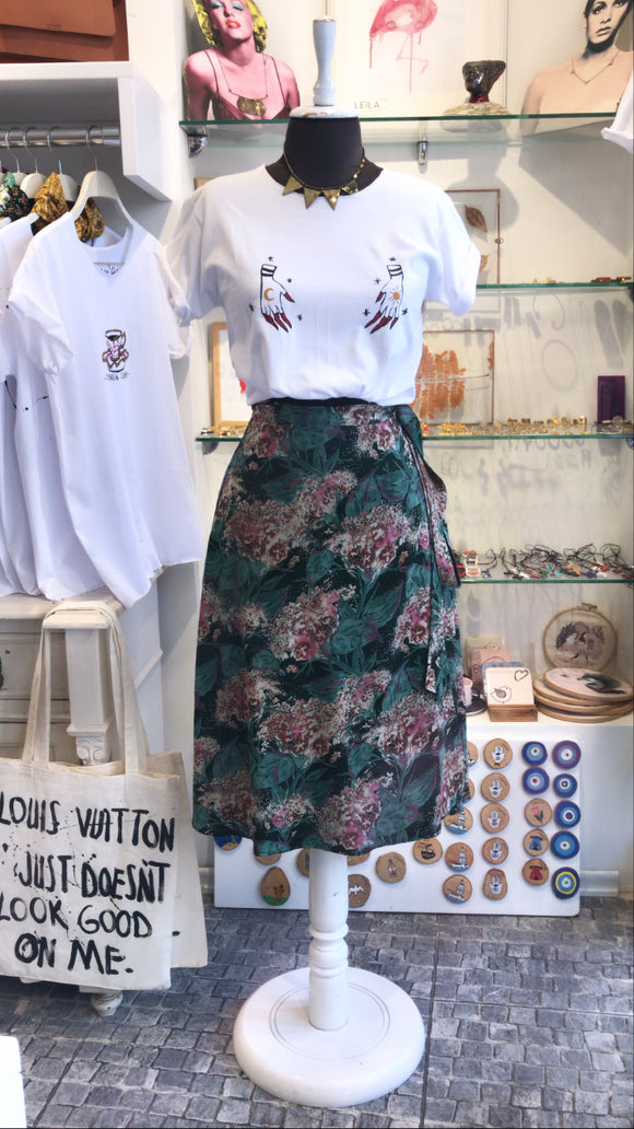 Adjustable flowers skirt