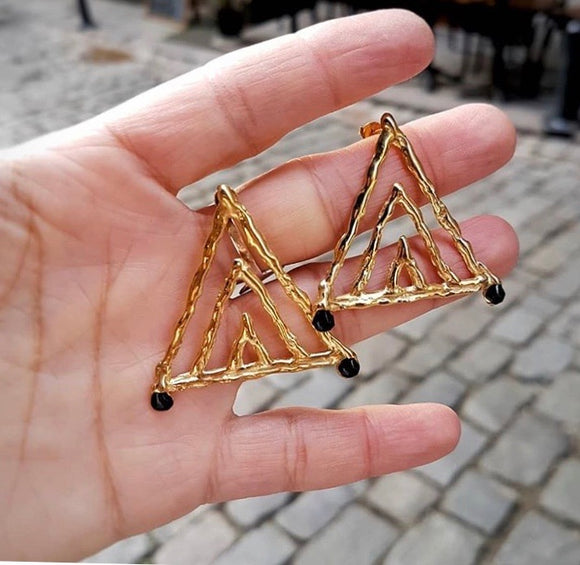 Siyah Mine Üçgen Küpe /Black Enamel Triangle Earrings