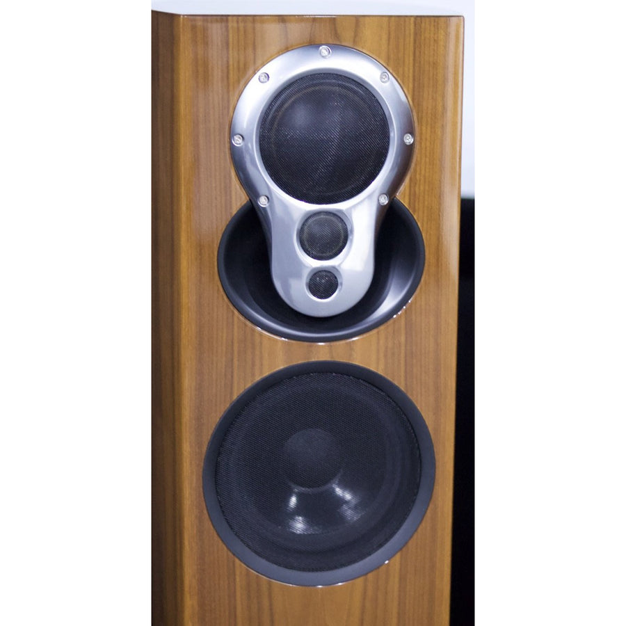 Linn Akubarik Active Speakers in Gloss Walnut with Linn Akurate Exakt DSM - As Traded