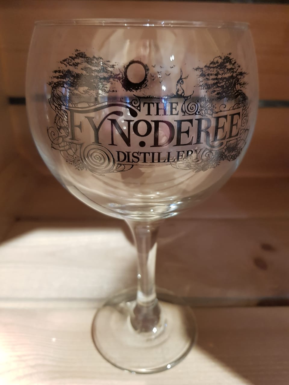 Fynoderee gin glass