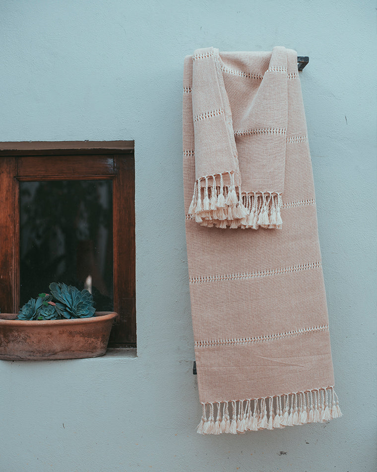 Durazno Blush Fine Cotton Throw