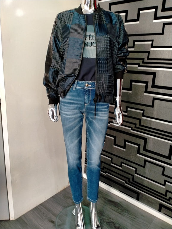 Fly Girl Mid Rise Slim Jean