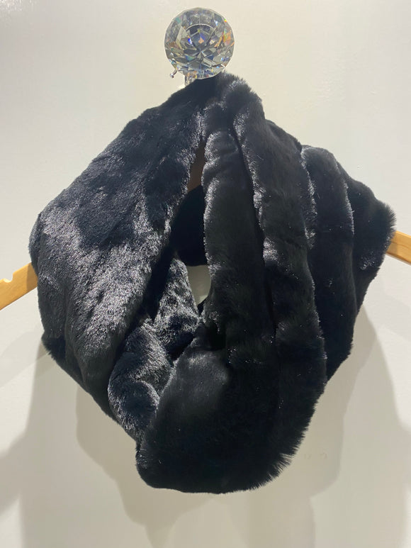 Black faux fur wrap snood