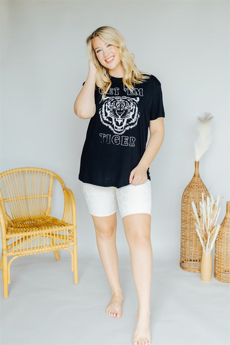 Get 'em Tiger Graphic Tee - Black
