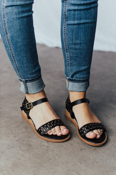 Wait a Minute Sandals - Black