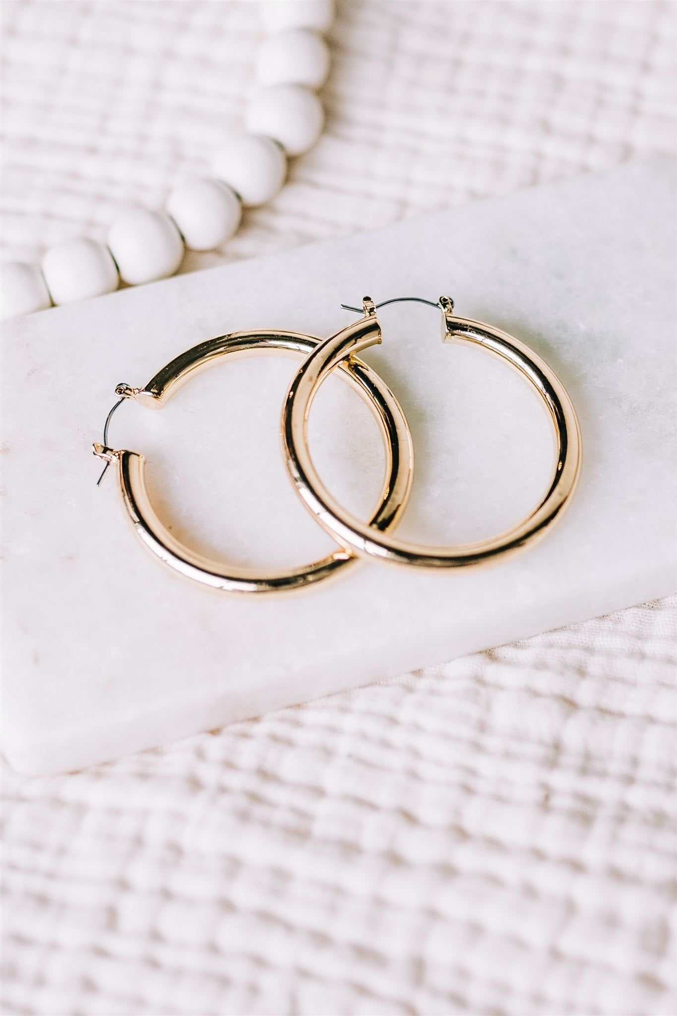 Almost Famous Latch Hoops