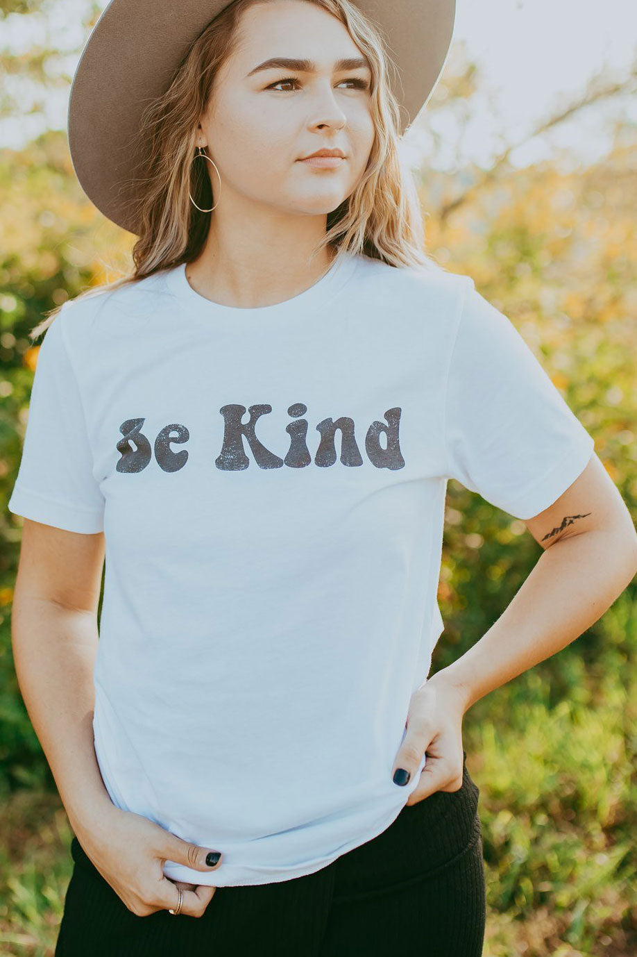 Be Kind Grpahic Tee - White